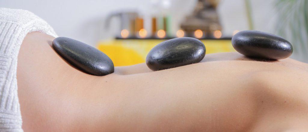 Hotstone-massage-2